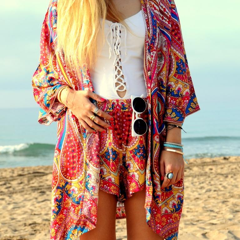15colgadasdeunapercha-verano-summer-bañador-swimsuit-white-blanco-kimono-shorts-70s-anna-duarte-6