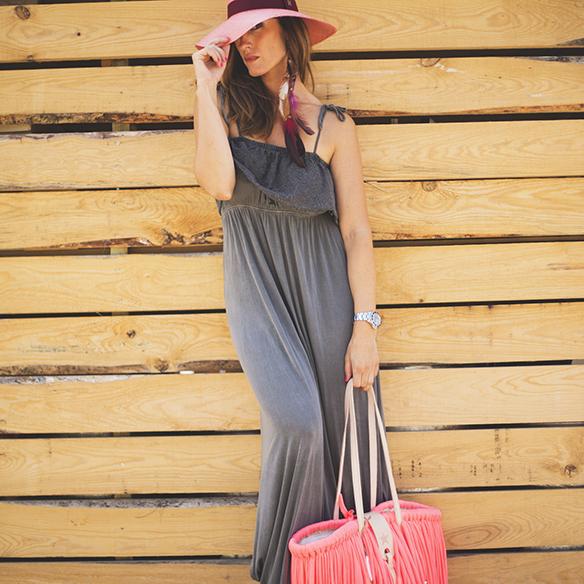 15colgadasdeunapercha-vestido-dress-gris-grey-rosa-fluor-neon-pink-cesto-basket-julietta-barcelona-ana-crank-2