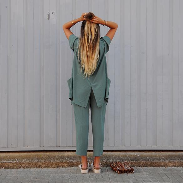 15-colgadas-de-una-percha-anna-duarte-traje-suit-chloe-verde-ugly-shoes-8