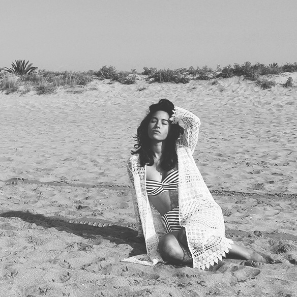 15colgadasdeunapercha-verano-summer-lace-kimono-encaje-bikini-talle-alto-high-waisted-sailor-marinero-blanche-2_bn