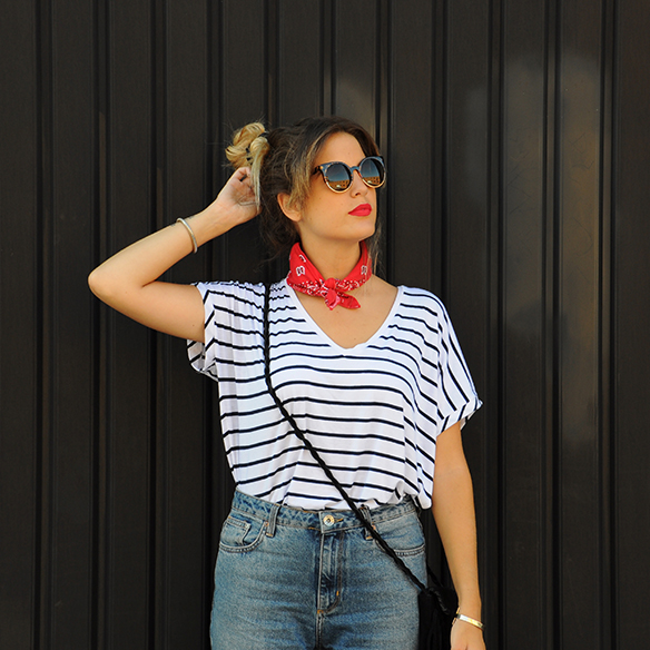 15-colgadas-de-una-percha-anna-duarte-stripes-rayas-bandana-kerchief-pañuelo-atado-al-cuello-handkerchief-knotted-to-the-neck-8