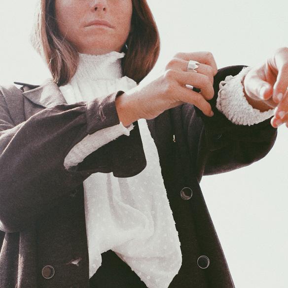 15-colgadas-de-una-percha-bebofi-must-have-fw-15-16-oi-imprescindible-blusa-estilo-victoriano-victorian-style-blouse-6
