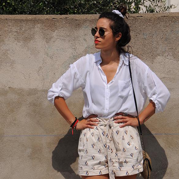 15-colgadas-de-una-percha-blanche-shorts-camisa-shirt-esparto-coletero-scrunchie-1