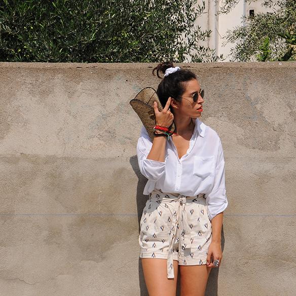 15-colgadas-de-una-percha-blanche-shorts-camisa-shirt-esparto-coletero-scrunchie-10