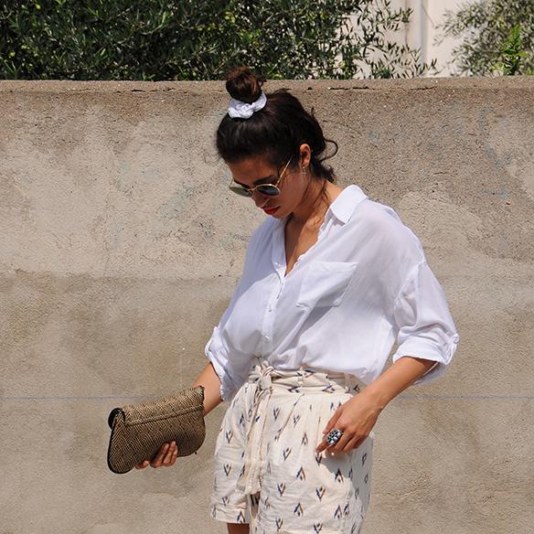 15-colgadas-de-una-percha-blanche-shorts-camisa-shirt-esparto-coletero-scrunchie-5