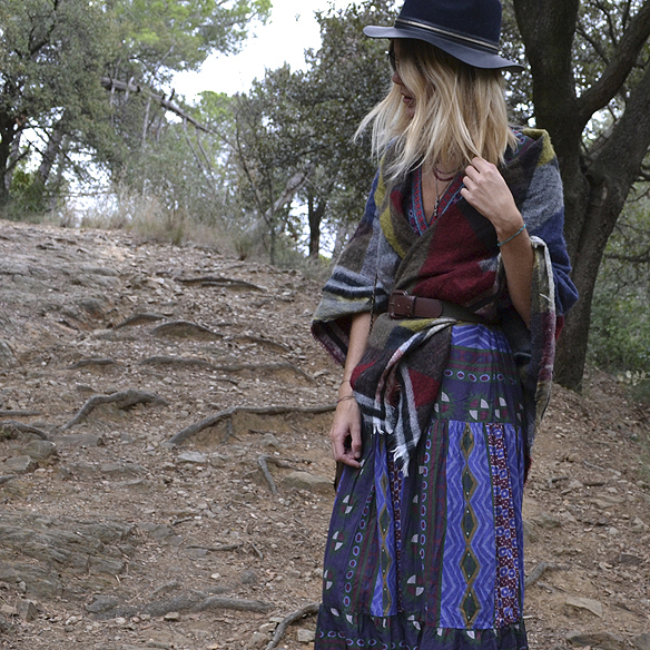 15-colgadas-de-una-percha-gina-carreras-georgina-carreras-barcelona-must-have-imprescindible-fw-15-16-oi-vestido-boho-dress-sombrero-hat-blanket-manta-5