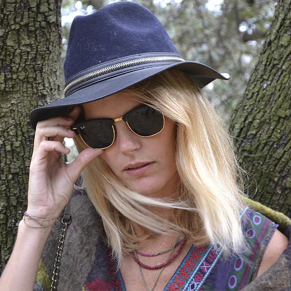 15-colgadas-de-una-percha-gina-carreras-georgina-carreras-barcelona-must-have-imprescindible-fw-15-16-oi-vestido-boho-dress-sombrero-hat-blanket-manta-8