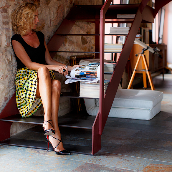 15-colgadas-de-una-percha-maica-jau-falda-estampada-print-skirt-negro-black-louboutin-louis-vuitton-7