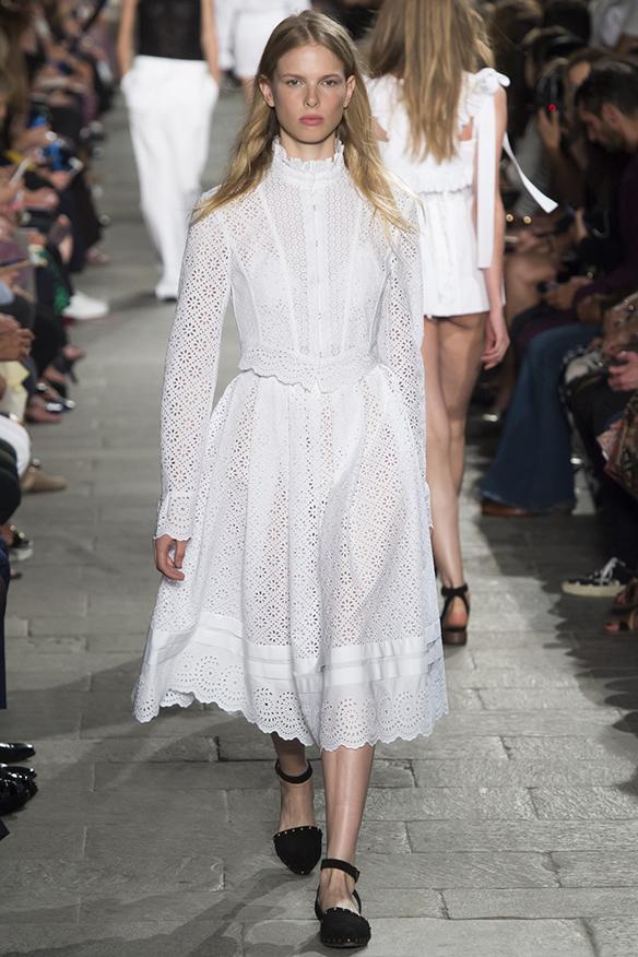 15-colgadas-de-una-percha-milan-fashion-week-mfw-philosophy-di-lorenzo-serafini-ss-16-2016-6