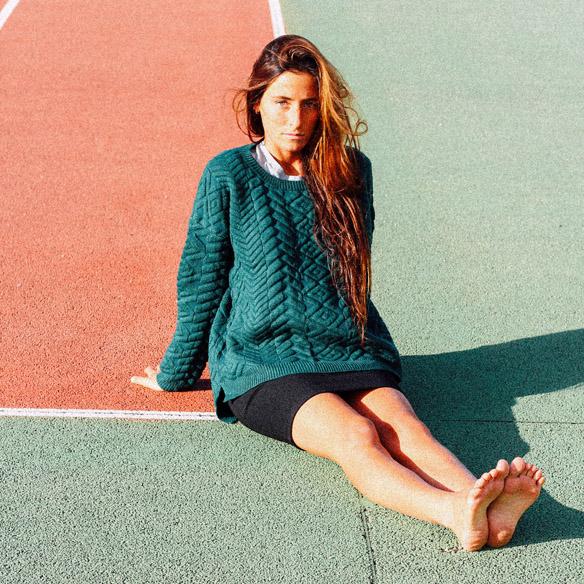 15-colgadas-de-una-percha-bebofi-mapache-by-dark-green-fw-oi-sporty-look-jersey-jumper-verde-green-falda-skirt-1
