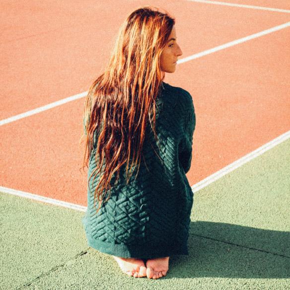 15-colgadas-de-una-percha-bebofi-mapache-by-dark-green-fw-oi-sporty-look-jersey-jumper-verde-green-falda-skirt-3