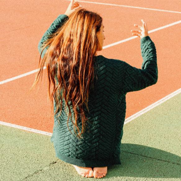 15-colgadas-de-una-percha-bebofi-mapache-by-dark-green-fw-oi-sporty-look-jersey-jumper-verde-green-falda-skirt-4