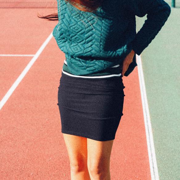 15-colgadas-de-una-percha-bebofi-mapache-by-dark-green-fw-oi-sporty-look-jersey-jumper-verde-green-falda-skirt-8
