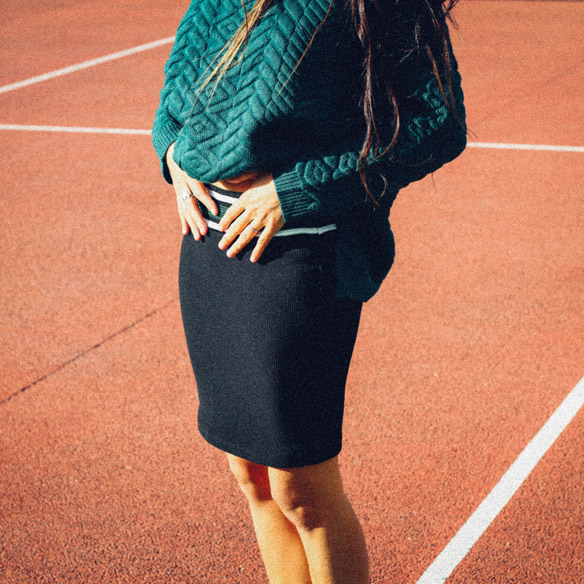 15-colgadas-de-una-percha-bebofi-mapache-by-dark-green-fw-oi-sporty-look-jersey-jumper-verde-green-falda-skirt-9