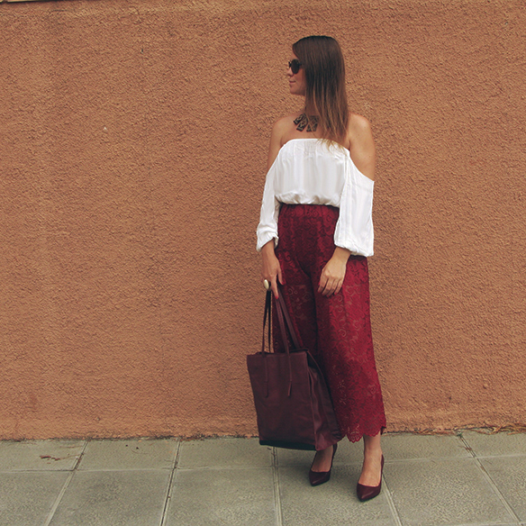 15-colgadas-de-una-percha-carla-kissler-must-have-fw-oi-imprescindible-culottes-encaje-lace-marsala-blusa-off-shoulder-blouse-3