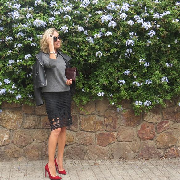 15-colgadas-de-una-percha-maica-jau-conceptos-de-estilo-falda-lapiz-troquelada-die-cut-pencil-skirt-stilettos-rojos-negros-jersey-lana-cazadora-jacket-10