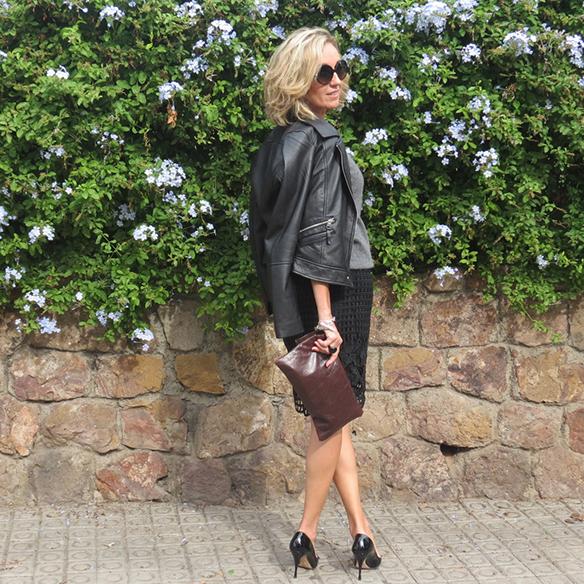 15-colgadas-de-una-percha-maica-jau-conceptos-de-estilo-falda-lapiz-troquelada-die-cut-pencil-skirt-stilettos-rojos-negros-jersey-lana-cazadora-jacket-2
