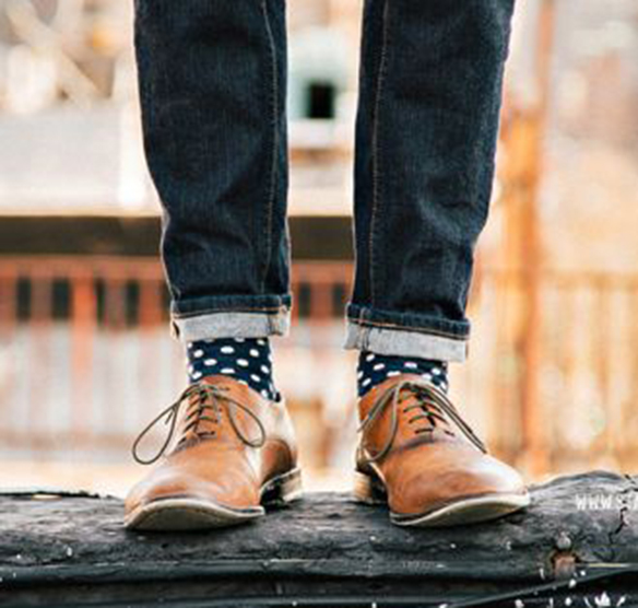 15-colgadas-de-una-percha-sunday-man-day-look-outfit-hombre-men-menswear-moda-masculina-happy-socks-calcetines-originales-estilosos-zapatos-shoes-10