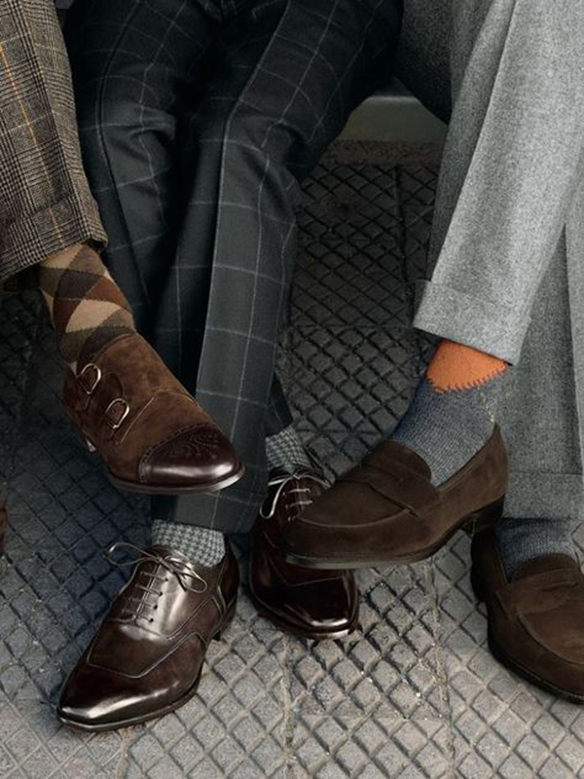 15-colgadas-de-una-percha-sunday-man-day-look-outfit-hombre-men-menswear-moda-masculina-happy-socks-calcetines-originales-estilosos-zapatos-shoes-6