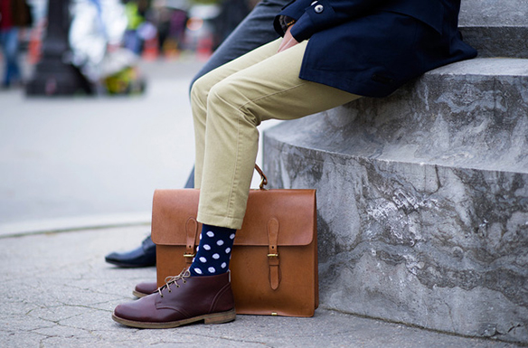 15-colgadas-de-una-percha-sunday-man-day-look-outfit-hombre-men-menswear-moda-masculina-happy-socks-calcetines-originales-estilosos-zapatos-shoes-8