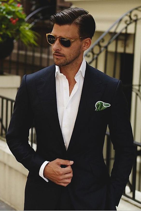 15-colgadas-de-una-percha-sunday-man-day-look-outfit-hombre-men-menswear-moda-masculina-pañuelo-bolsillo-americana-handkerchief-pocket-square-blazer-johannes-huebl