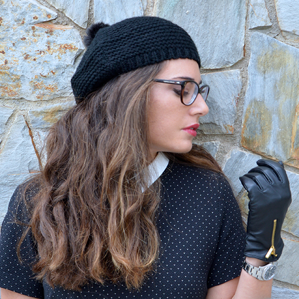 15-colgadas-de-una-percha-alicia-alvarez-polka-dot-dress-guantes-gloves-botas-boots-shirt-collar-cuello-camisa-gafas-glasses-6