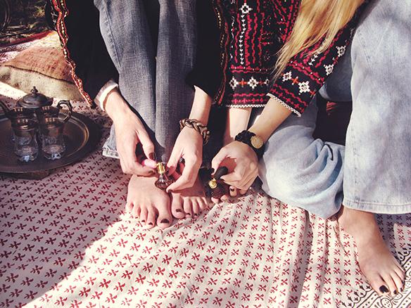 15-colgadas-de-una-percha-almah-scented-jewelry-lookbook-fw-15-16-joyeria-bisuteria-aromatica-perfumada-anna-duarte-gina-carreras-ethnic-blazers-etnico-3