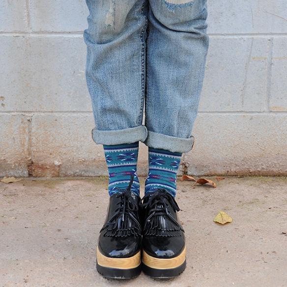 B sicos y debilidades colgadas de una percha - Percha para zapatos ...