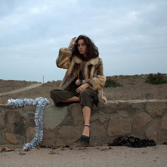 15-colgadas-de-una-percha-blanche-fin-de-año-nochevieja-new-years-eve-mono-jumpsuit-culottes-fur-coat-abrigo-pelo-2