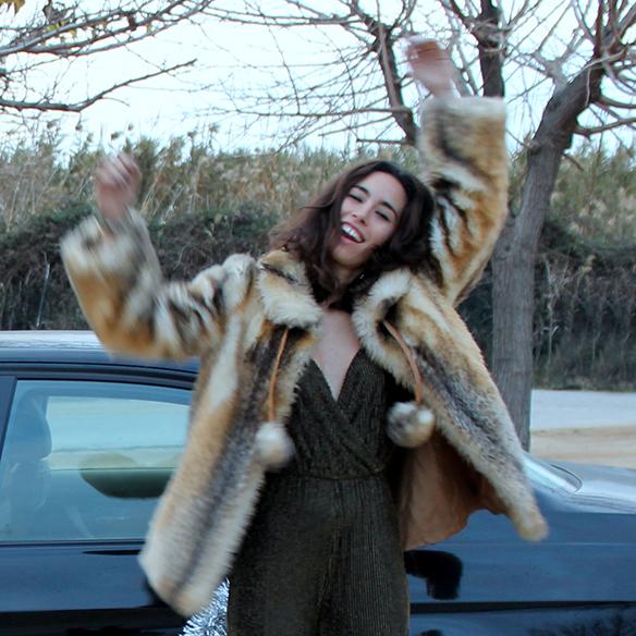 15-colgadas-de-una-percha-blanche-fin-de-año-nochevieja-new-years-eve-mono-jumpsuit-culottes-fur-coat-abrigo-pelo-8