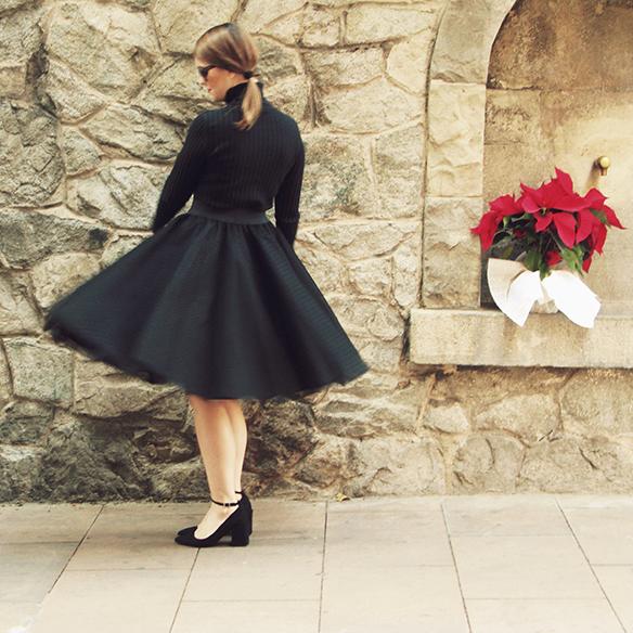 15-colgadas-de-una-percha-carla-kissler-navidad-christmas-falda-de-tul-tulle-skirt-tutu-lolitas-bcn-cazadora-granny-shoes-velvet-trainers-4