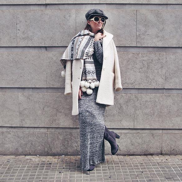 15-colgadas-de-una-percha-carla-kissler-vestido-largo-de-punto-gris-grey-long-knitted-dress-white-teddy-coat-blanco-10