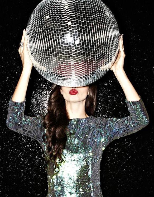 15-colgadas-de-una-percha-inspiracion-nochevieja-fin-de-año-new-years-eve-inspo-inspiration-52