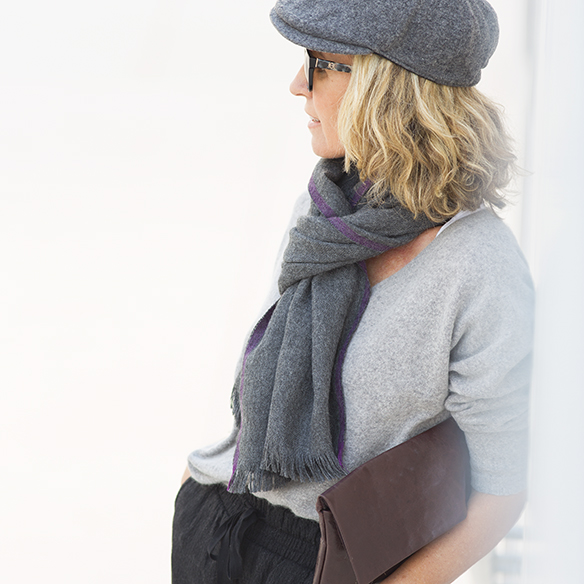 15-colgadas-de-una-percha-maica-jau-foulard-stone-fular-bufanda-scarf-pañuelo-gris-grey-botines-booties-5