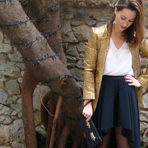 15-colgadas-de-una-percha-marta-r-navidad-christmas-gold-blazer-americana-dorada-falda-neopreno-neoprene-skirt-medias-plumetti-tights-2