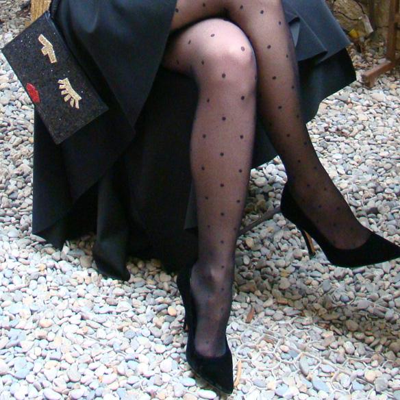 15-colgadas-de-una-percha-marta-r-navidad-christmas-gold-blazer-americana-dorada-falda-neopreno-neoprene-skirt-medias-plumetti-tights-6