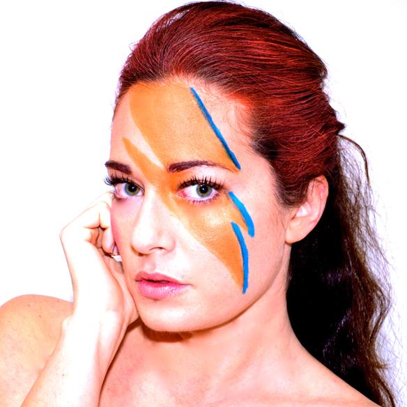 15-colgadas-de-una-percha-alicia-alvarez-carnaval-carnival-david-bowie-makeup-maquillaje-disfraz-costume-1