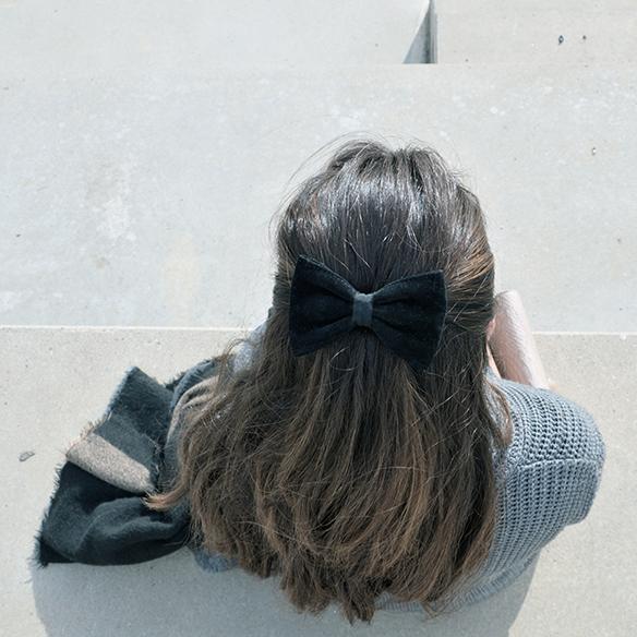 15-colgadas-de-una-percha-alicia-alvarez-gris-grey-monochromatic-look-monocromatico-7