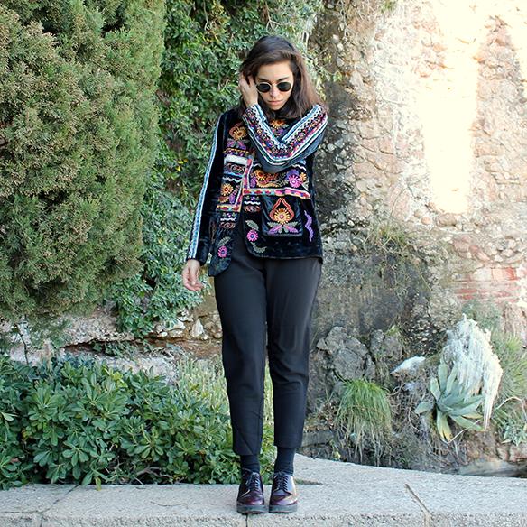 15-colgadas-de-una-percha-blanche-chaqueta-terciopelo-colores-color-velvet-jacket-india-ethnic-print-estampado-etnico-8