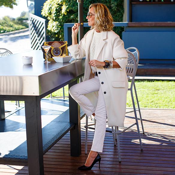 15-colgadas-de-una-percha-maica-jau-invierno-blanco-white-winter-crudo-ecru-stilettos-skinny-jeans-abrigo-coat-1