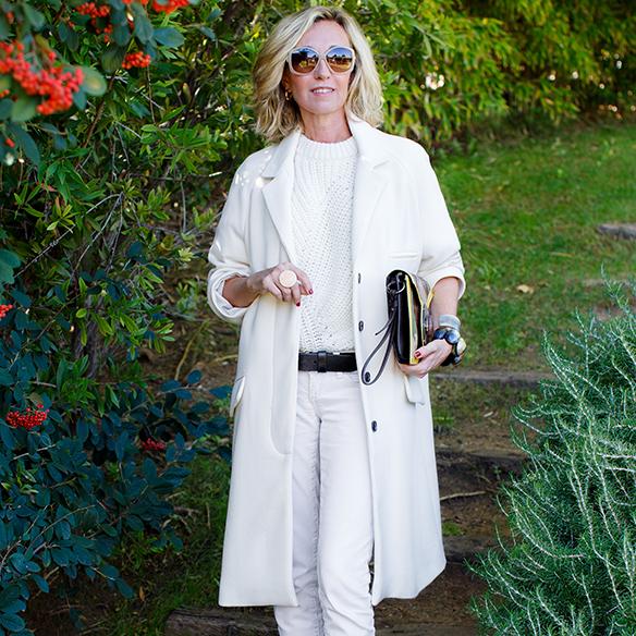 15-colgadas-de-una-percha-maica-jau-invierno-blanco-white-winter-crudo-ecru-stilettos-skinny-jeans-abrigo-coat-9