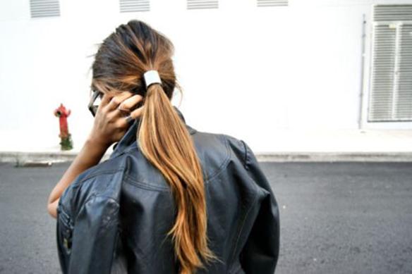 15-colgadas-de-una-percha-tendencias-peinados-pelo-hair-hairstyles-trends-accesorios-en-el-pelo-coleteros-horquillas-scrunchies-hairpins-hair-clips-1