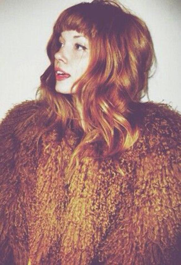 15-colgadas-de-una-percha-tendencias-peinados-pelo-hair-hairstyles-trends-cobrizo-red-hair-auburn-hair-1