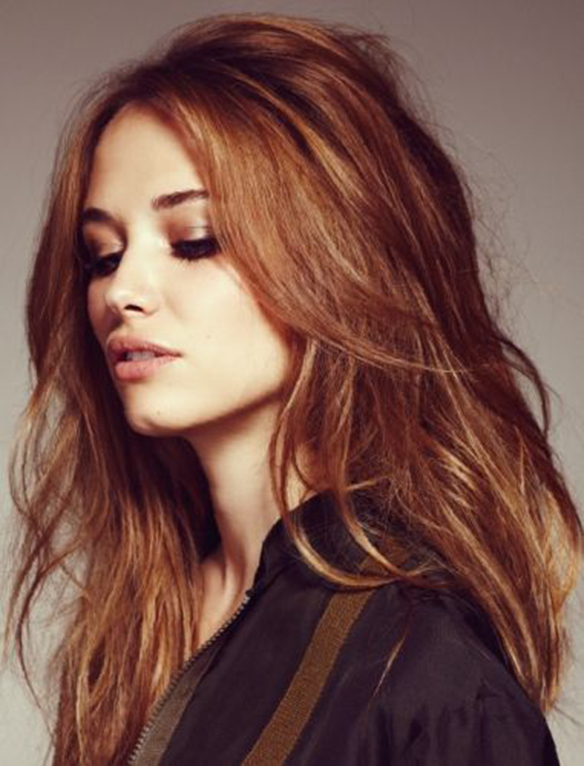 15-colgadas-de-una-percha-tendencias-peinados-pelo-hair-hairstyles-trends-cobrizo-red-hair-auburn-hair-4