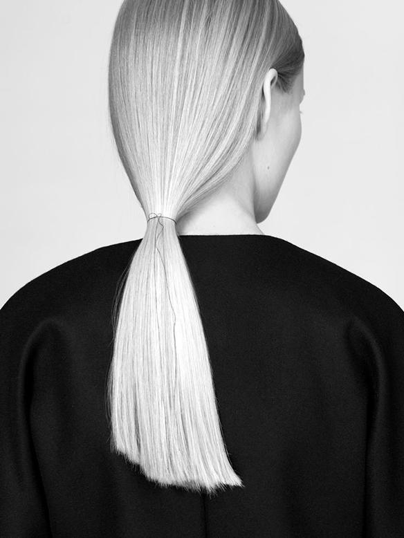 15-colgadas-de-una-percha-tendencias-peinados-pelo-hair-hairstyles-trends-coletas-pulidas-moños-knot-buns-smooth-ponytails-polished-pigtails-4