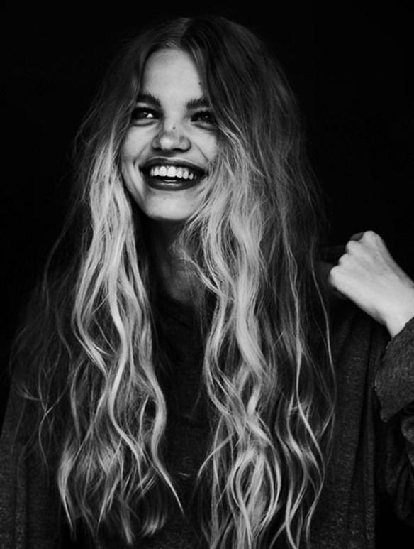 15-colgadas-de-una-percha-tendencias-peinados-pelo-hair-hairstyles-trends-volumenes-rizos-volumes-curls-ringlets-5