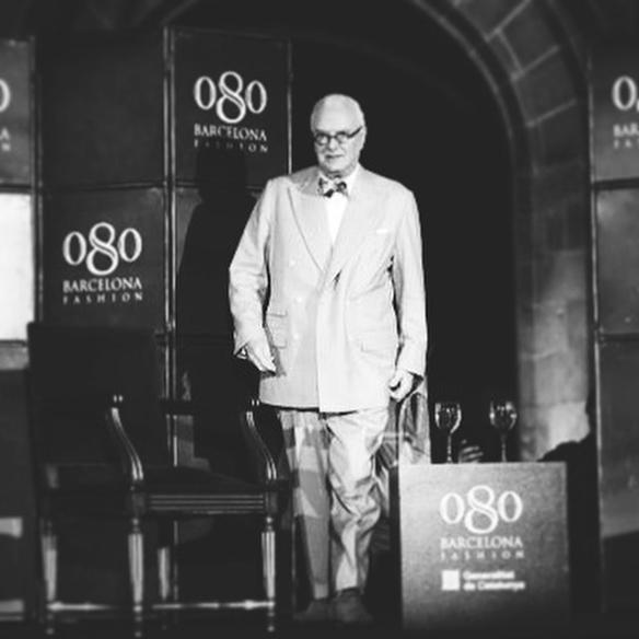 15-colgadas-de-una-percha-080-bcn-fashion-week-moda-barcelona-fw-oi-2016-2017-Manolo-Blahnik-1