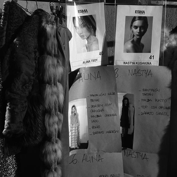 15-colgadas-de-una-percha-080-bcn-fashion-week-moda-barcelona-fw-oi-2016-2017-VM-by-La-Siberia-Viatge-17