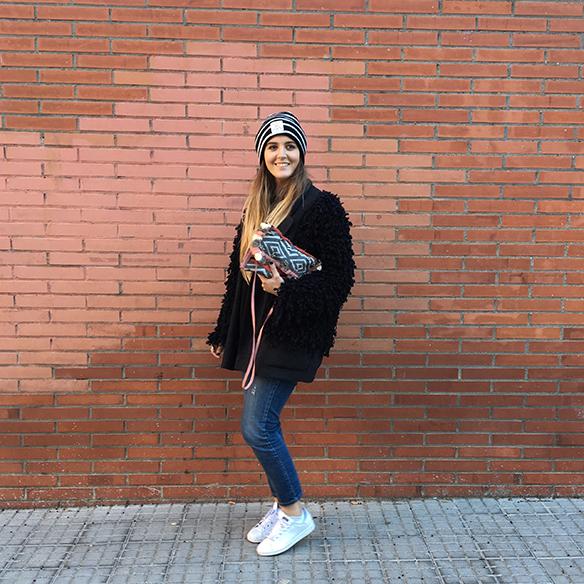 15-colgadas-de-una-percha-anna-duarte-blazer-chaqueta-jeans-bambas-camiseta-gorro-6