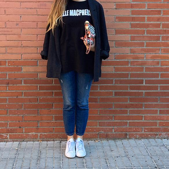 15-colgadas-de-una-percha-anna-duarte-blazer-chaqueta-jeans-bambas-camiseta-gorro-8